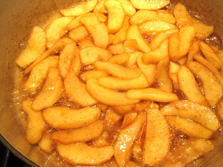 Cooking Apples for Applesauce