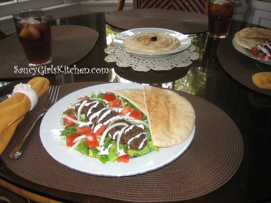 Falafel plate with Tahini Sauce