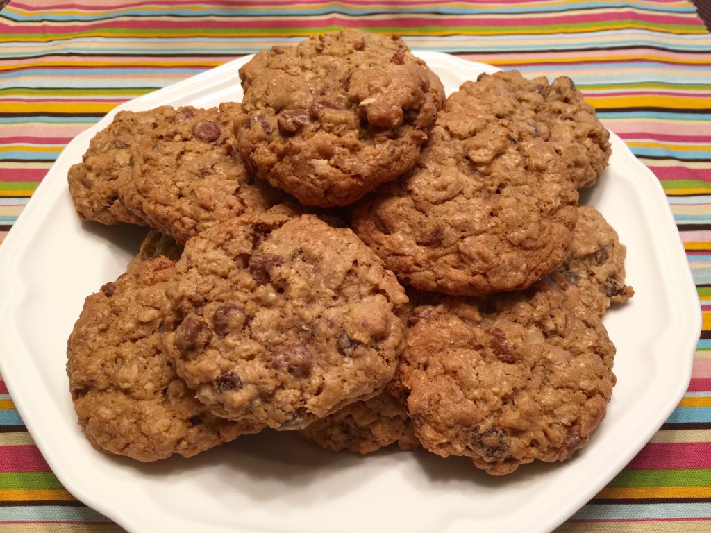 Nutty Oatmeal Chocolate Chip Cookies